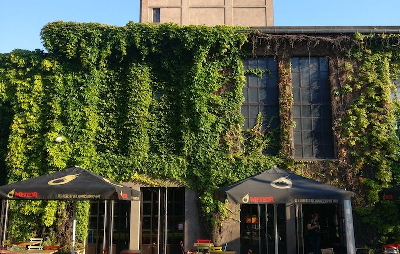 L'extérieur de la Brasserie Météor