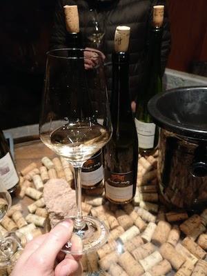 Dégustation de vin, dans la Cave de la Dîme