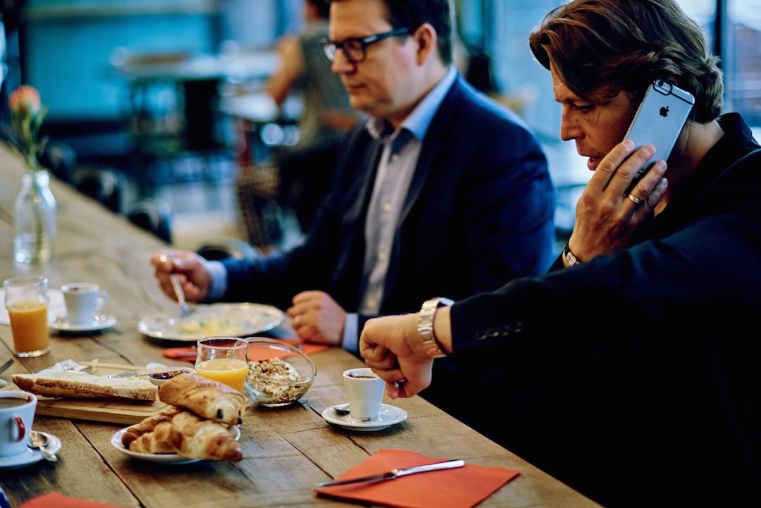 Petit déjeuner au Café Bâle