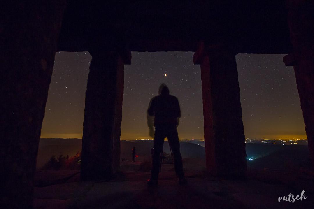 Eclipse de Lune au Temple du Donon - Greg Matter