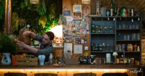 La Cabane, joli bar à cocktails et spiritueux à Strasbourg 5