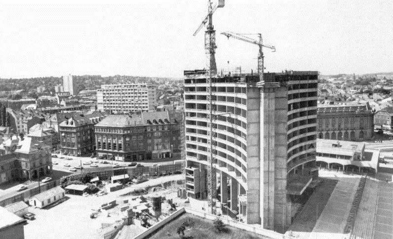 Construction Tour de l'Europe en 1970