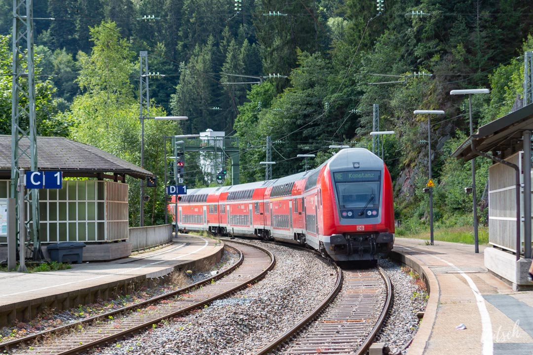 Train RE partant de la Gare de Triberg