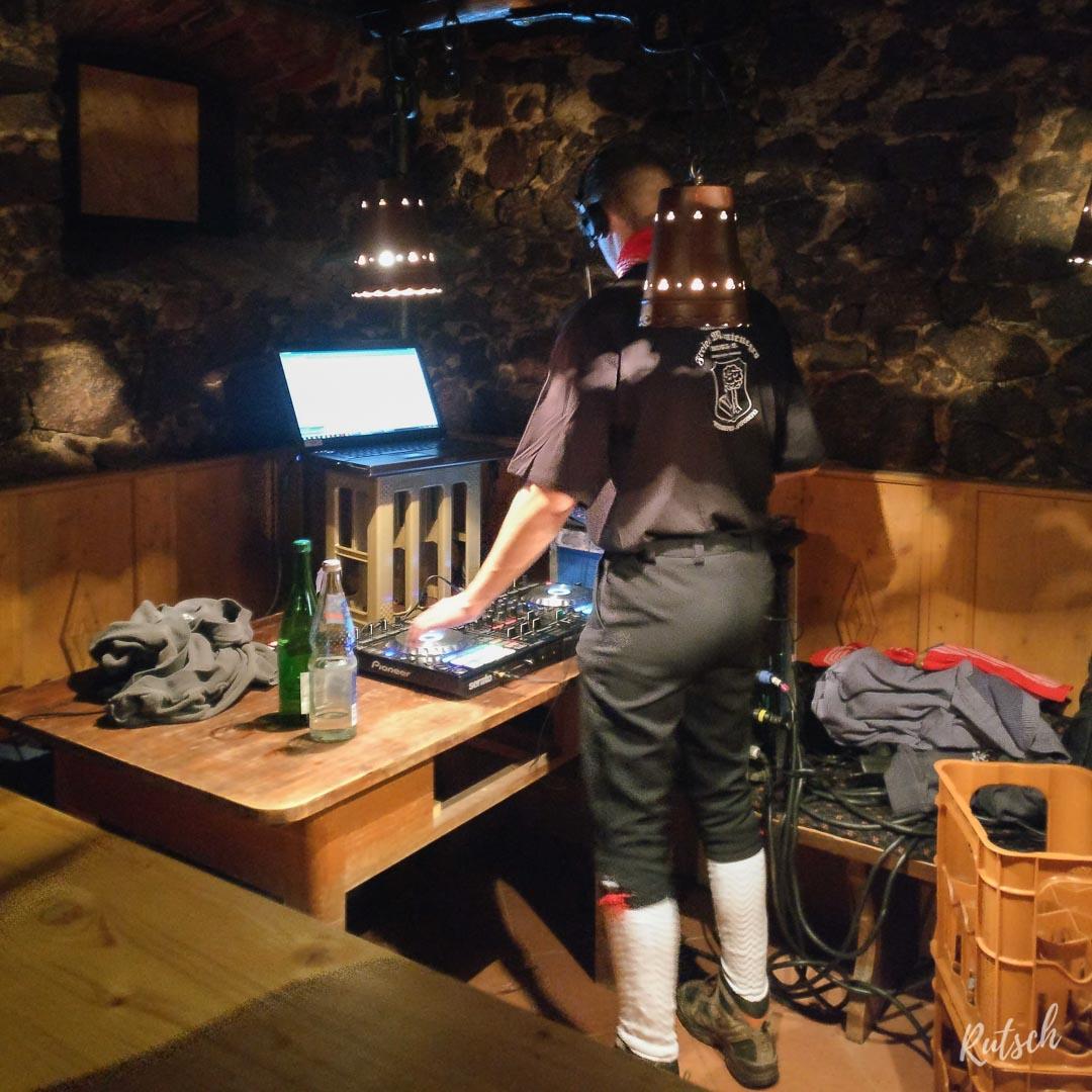Carnaval Ortenberg : DJ dans une cave