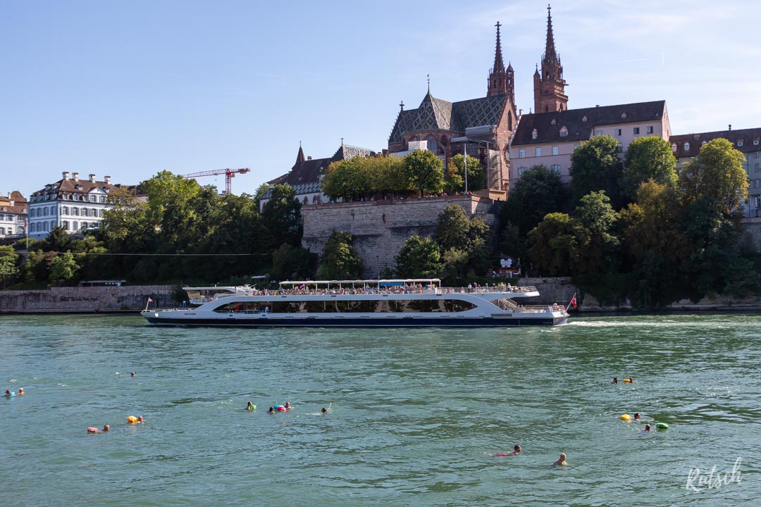 Baignade dans le Rhin à Bâle